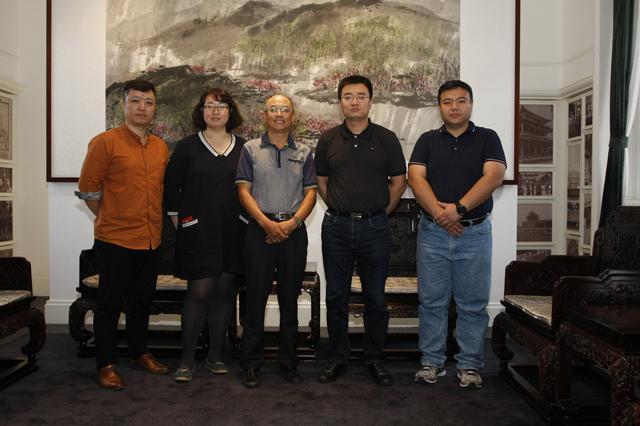 座谈会成员从左至右依次为:于冰、苏萌、李新科、王京、杨菲.jpg