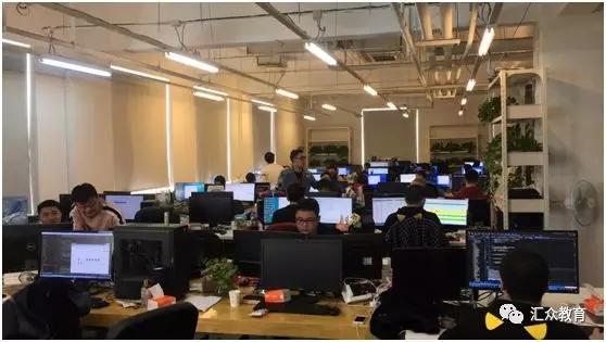 咸鱼科技公司的工作环境.jpg