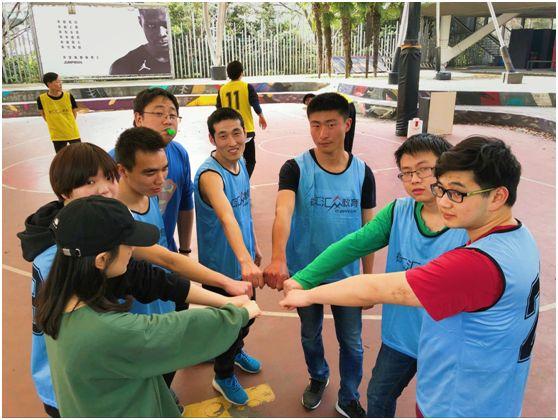 汇众教育上海徐汇游戏校区学员精彩日常之精彩篮球赛2.jpg
