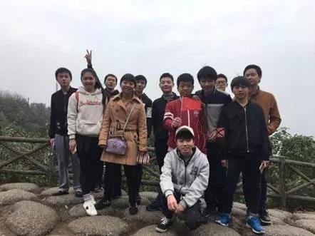 汇众长沙校区爬山吃鸡日记 (4).jpg
