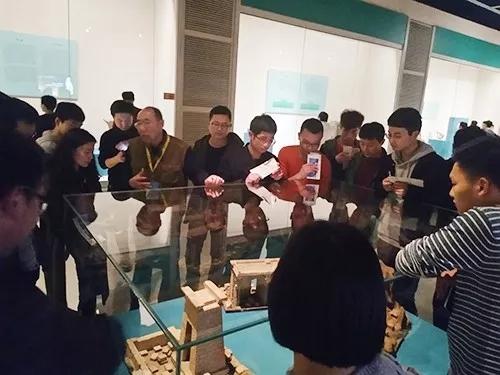 汇众教育郑州软件校区程序11班开班活动-参观国家宝藏.jpg