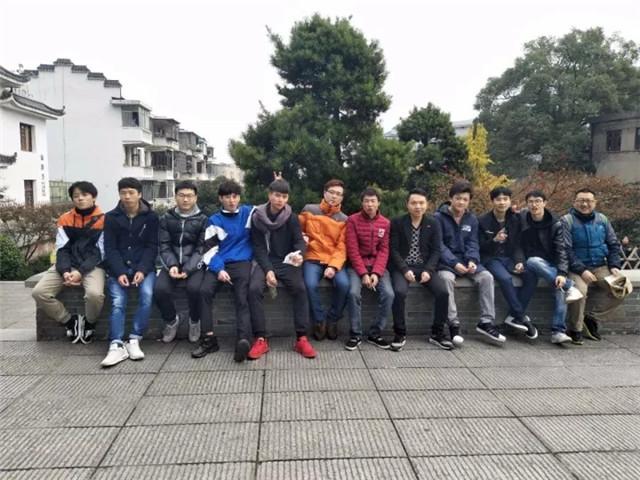 汇众长沙校区爬山吃鸡日记 (12).jpg