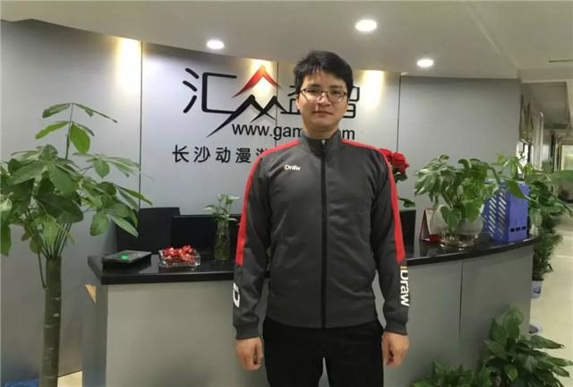 汇众教育明星学员李国庆 3D游戏角色设计师.jpg