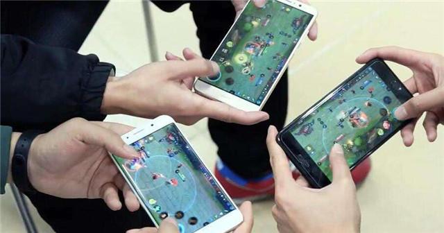 中国移动游戏市场.jpg